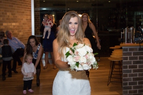 Hunter Valley Wedding Photography- Throwing the bouquet