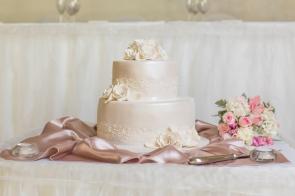 Hunter Valley Wedding Photography- Wedding cake