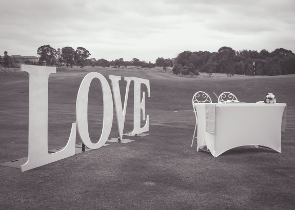 Hunter Valley Wedding Photography- Love on the lawn
